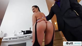 Big and Booty Ass Latina Slut Got Her Ass Fingered Before Some Nice And Deep BJ