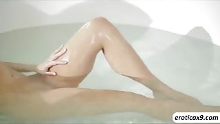 Adriana gets sweetly fucked after her morning bath