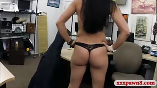 Brazilian woman pawns a Cello and nailed at the pawnshop