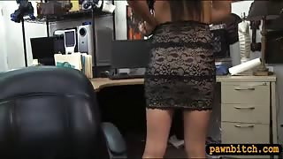 Slutty amateur babe sells her ring and pounded by pawn guy