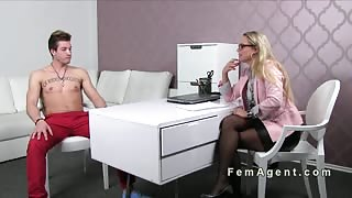 Female agent fucks muscled guy