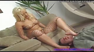 Alexis Texas abuses guy and makes him cum