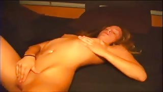 Amateur Blonde Chick Fingers Needy Pussy