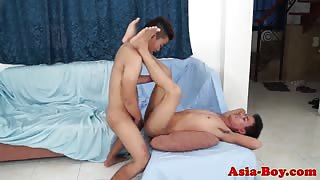 Amateur gay twink blows his load