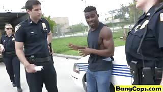 Black stud pleases two white police officers