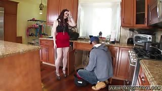 Daddy its not mom first time The Plumber gets His Pipe Cleaned