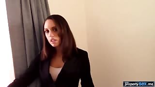 Persistant real estate agent convinces her client to sell
