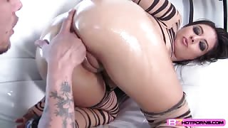 Horny slutty babe Jynx Maze hardly fucked in doggystyle