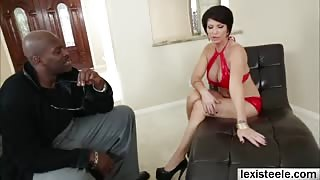 Short haired slut Shay Foxx wraps her lips around a big black cock