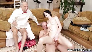 Old man brit Frankie heads and eats her pussy and bum before she