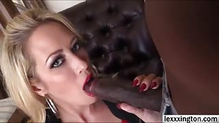 Bigtitted blonde Capri Cavali gets fucked and receives sticky facial