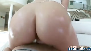 Perfectly curved ass Mia Malkova gets her pussy pounded