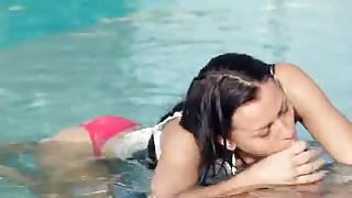Incredible pool wow sex with hot beauty