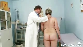 Mature Mom Gets Sexual Gyno Exam