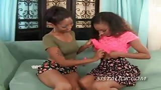 Black lesbian spreads for pussy licking