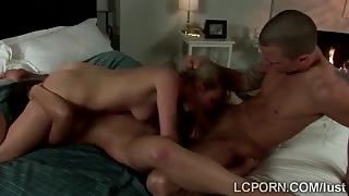 Naughty blonde and brunette roommates share a big cock