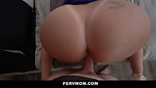 Richelle Ryan takes a big dick in her wet pussy