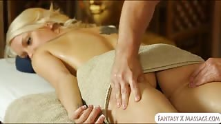 Booby blonde client Kenzie Taylor fucked by her masseur