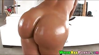 Mature MILF Lisa Ann gets her juicy ass fucked by big dick