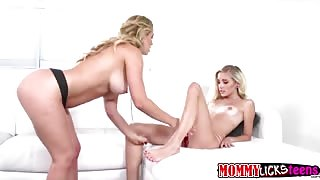 Charming Naomi WOdds and Cherie Deville give in to their sexual urge