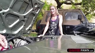 Hot blonde country woman trying to sell her broken car gets fucked