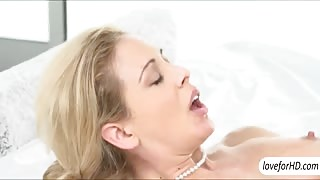 Yummy cougar Cherie Deville erotic sex