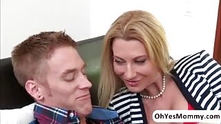 MILF Jennifer Best initiates a group sex