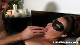Horny MILF Gets Pussy Eaten And Plowed By Hung Guy