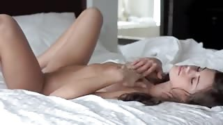Lovely big-tits gal cums from jilling off