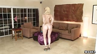 WANKZ- Kagney Linn Karter has a Perfect Ass