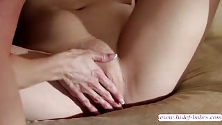 Slutty playful lesbians Aria Alexander and Kendra Lust face sitting