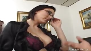 Mindy Main Jams Rod Up Her Puffy Cunt