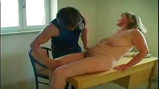 Slutty Mature Gives Up Hairy Pussy
