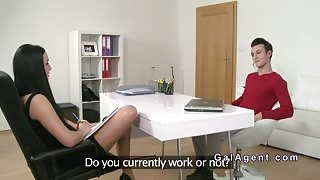 Horny stud bangs female agent after casting
