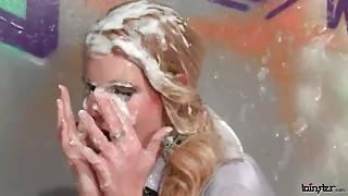 Sophisticated Hottie Performs Head & Handjob While Creamed