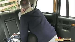 Black haired bitch gets a free ride on a public cab