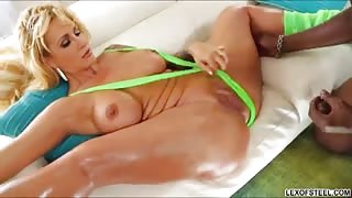 Curvaceous MILF Ryan Conner eagerly takes a huge black cock