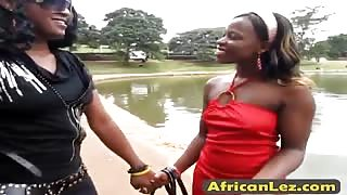Wow! How to please african pussy and ass? These african lesbians will show you.
