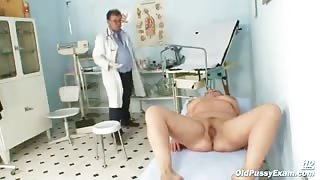 Elderly Woman Has Hole Checked Out At Gyno