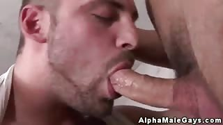 Straight dude receives his first gay bj