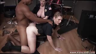 Furry hentai milf Raw flick grabs officer nailing a deadbeat dad.