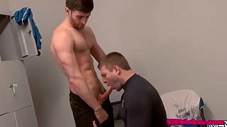 Jock bear anally pounded after giving rimjob